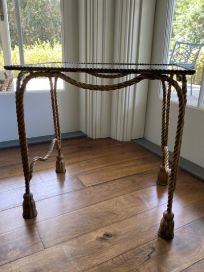 Gold-Rope-Table