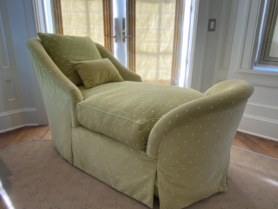 Green-Polkadot-Chaise