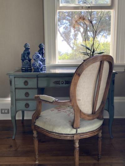 Master-Bedroom-Desk