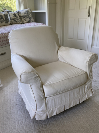 Oversize-slipcover-chairs