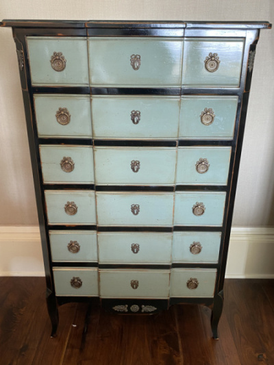 Tall-Chest-of-Drawers