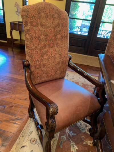 Dining Chair (close)