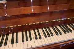 Piano (close)