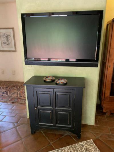 Black Cabinet ~ Flatscreen TV