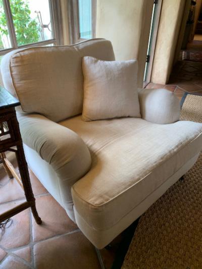 RH Chair (close)