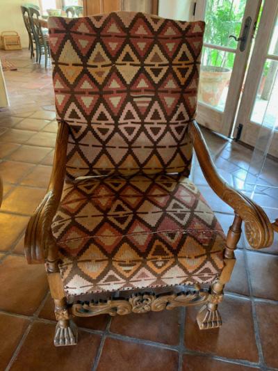 Kilim Chair (close)