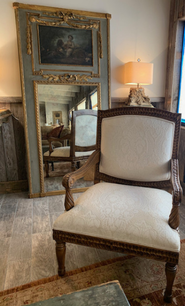 Carved Italian Oversized Arm Chair (pr)