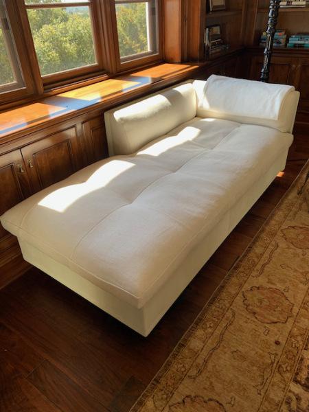 Troscan Design Chaise