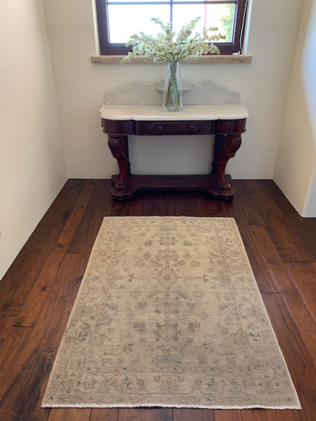 Victorian Wash Stand ! Wool Area Rug
