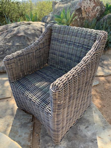 Wicker Chair (close)