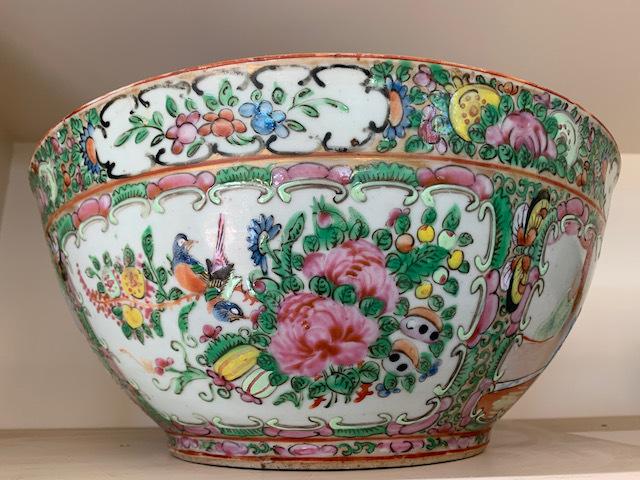 "Old Chinese Bowl ""Rose Medallion"""