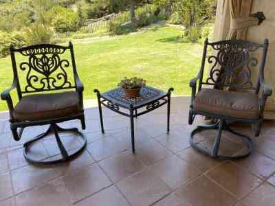 Hanamint patio rocking chair set
